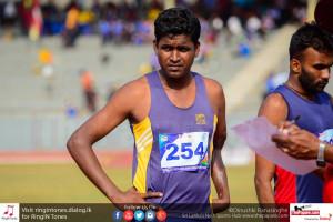 Sanjaya seconds before a start of 400m event.